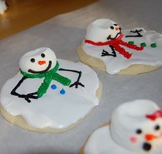 Melted snowmen cookie idea. For sure going to use this to take to a Christmas party!
