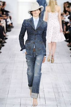 Ralph Lauren Spring 2010 Ready-to-Wear Fashion Show - Katharina Friedrich Denim Fashion, Fashion Outfits, Womens Fashion, Looks Style, My Style, Girl Style, Gamine Style, Love Jeans, Ralph Lauren Collection