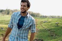You're gonna want to see these Luke Bryan GIFs...
