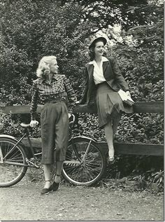 1940s causal outdoors looks, cropped pants, plaid shirt, fashion