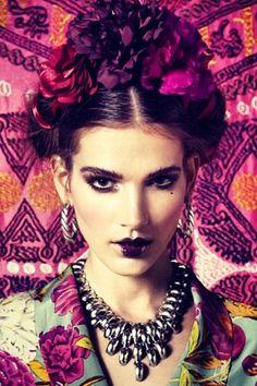 Frida Kahlo hair for August photoshoot? Foto Fashion, Diy Fashion, Style Fashion, Mexican Fashion, Hippy Chic, Fall Lookbook, Mode Boho, Estilo Boho, Afro