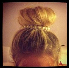 Pearled hair tie for around the top of buns and ponytails <3
