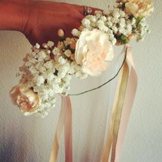 flower crowns, perfect for a casual look yet also perfect for a wedding. For the flower girl - but maybe in the pink colors instead of white Floral Wedding, Fall Wedding, Wedding Bouquets, Wedding Favors, Our Wedding, Wedding Flowers, Dream Wedding, Wedding Stuff, Wedding Crafts