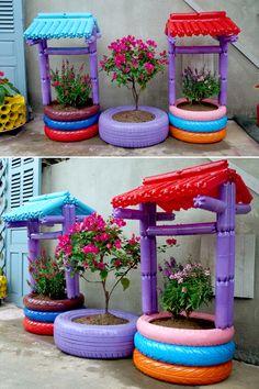 Plastic Bottle Planter, Plastic Bottle Crafts, Tire Garden, Bottle Garden, Diy Garden Projects, Garden Crafts, House Plants Decor, Plant Decor, Vertical Garden Diy