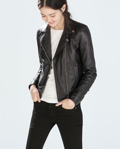 Sometimes all you need to complete your look is a simple moto jacket // Zara Leather Biker Jacket Outerwear Women, Outerwear Jackets, Women's Jackets, Zara Biker Jacket, Moto Jacket, Coats For Women, Jackets For Women, Zara Looks, Best Leather Jackets