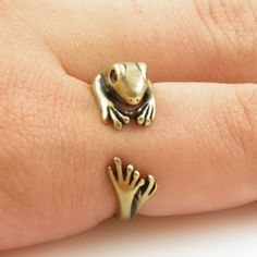 adjustable frog ring. Ahhhh