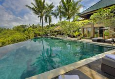The Bukit Naga Villa is perfect private abode to set you free from all the worries and the attentions of the outside world.
