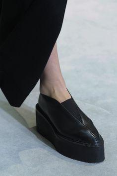 classy fashion minimalistic fashion fashion Curated by CAROLINE DAILY PARIS