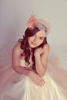 ANGIVANI COUTURE, Brautkleid Audrey 2015.  https://www.marryjim.com/de/AngiVani%20Couture%20/Designer-Brautkleider/id821