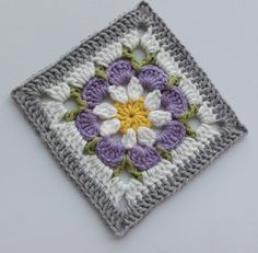 Crochet Square Blanket, Baby Afghan Crochet, Crochet Quilt, Crochet Blocks, Granny Square Crochet Pattern, Crochet Squares, Crochet Motif, Crochet Flower Tutorial, Crochet Flower Patterns