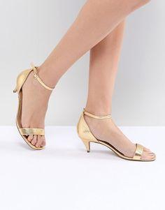 cc540529789b1 AlternateText Block Heels Outfit