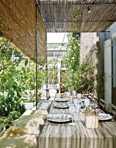 Beautiful terrace at Annie-Moore's idyllic holiday home /bed & breakfast in the South of France