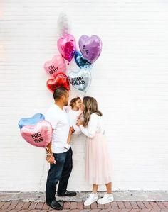 Baby announcement ideas The Florida Girl – 𝕝𝕚𝕗𝕖𝕤𝕥𝕪𝕝𝕖 𝕓𝕝𝕠𝕘𝕘𝕖𝕣 Photo Balloons, Mini Balloons, Baby Balloon, Heart Balloons, Birthday Baby Announcement, Baby Number 2 Announcement, Valentines Pregnancy Announcement, Bump Ahead, Florida Girl