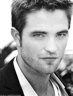 probably one of the only pictures I've seen of Robert Pattinson where he actually looks decent.