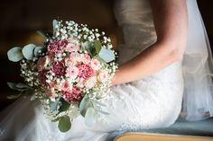 Summer Weddings, Finland, Wedding Photos, Floral Wreath, Wreaths, Feelings, Wedding Dresses, Decor, Fashion
