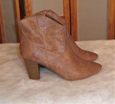 Old Navy Sz 9 Tan Brown Cowboy Western Ankle Boots W/ Pointed Toe #OldNavy #AnkleBoots #Casual