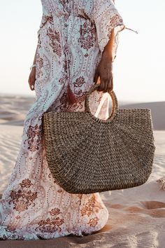 Große Strohkorbtasche - Basket and Crate Basket Bag, Crates, Straw Bag, My Style, Bags, Collection, Closet, Fashion, Pink