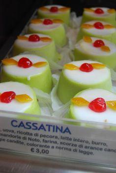 Cassatina - Mini cassata, Sicilian sweet