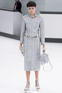 how the belt loops through the jacket | Chanel Spring 2016 Ready-to-Wear Fashion Show - Isabella Emmack