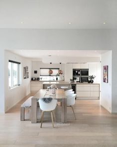 Gorgeous Ikea Kitchen Design Ideas 19 The kitchen is one of the most important rooms in any home. It is a space that should be functional, … Ikea Kitchen Design, Interior Design Kitchen, Ikea Design, Cuisines Design, Open Plan Kitchen, Living Room Kitchen, Dining Room, Rustic Kitchen, Kitchen Decor