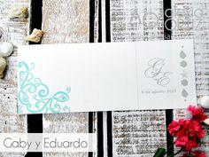 Invitación de boda con detalles marinos hecha en papel de piedra ecológico / beach wedding invitations / invitaciones ecológicas