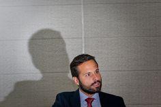 De saída do governo, o ministro da Cultura, Marcelo Calero, acusa o ministro Geddel Vieira Lima (Governo) de tê-lo pressionado a produzir um parecer técnico para favorecer seus interesses pessoais.