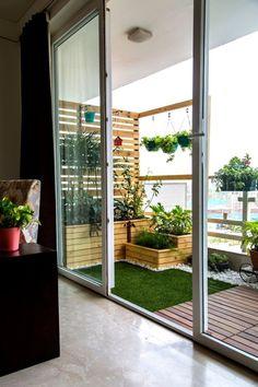 Best Small Deck And Patio Ideas Apartment Balconies 54 Ideas - Balcony Garden Small Balcony Design, Small Balcony Garden, Terrace Design, Small Patio, Patio Design, Garden Design, Indoor Balcony, Small Balconies, Balcony Door