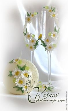 Taças decoradas para um brinde original! Acesse: https://pitacoseachados.wordpress.com #pitacoseachados                                                                                                                                                                                 Plus
