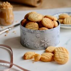 Karamelové mini cheesecaky - Coolinári | food blog Mini Cheesecakes, Dog Food Recipes, Cereal, Almond, Breakfast, Blog, Basket, Dulce De Leche, Morning Coffee
