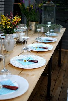 borddækning My House, Table Settings, Table Decorations, Party, Inspiration, Furniture, Home Decor, Biblical Inspiration, Decoration Home