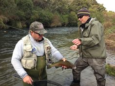 Chris Brennan (guide) and Nick, great afternoon on the Hinemaiaia River, Taupo