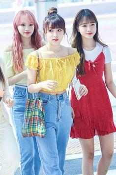 Korean Fashion Kpop, Asian Fashion, Yuri, Kpop Mode, Eyes On Me, Japanese Girl Group, Airport Style, Airport Fashion, Kpop Outfits