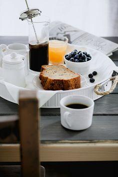 Imagem de breakfast, coffee, and food Breakfast Shot, Breakfast Time, Breakfast Recipes, Breakfast Ideas, Coffee Time, Morning Coffee, Tea Time, Coffee Coffee, Food Photography Tips