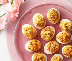 Pimiento-Cheese Deviled Eggs Recipe - Good Housekeeping How to Make Deviled Eggs Thanksgiving Deviled Eggs, Easter Deviled Eggs, Guacamole Deviled Eggs, Bacon Deviled Eggs, Deviled Eggs Recipe, Ricotta, Schnitzel Hawaii, Toast Hawaii, Pimiento Cheese