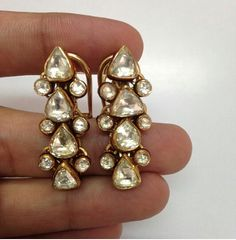 Find and save recipes, parenting hacks, style inspiration and many other ideas to try. Indian Wedding Jewelry, Bridal Jewelry, Gold Jewelry, Bling, India Jewelry, Jewelry Patterns, Stone Jewelry, Jewelry Collection, Antique Jewelry