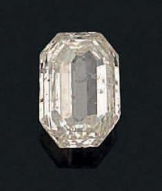 Diamant de taille émeraude à pans coupés Poids du diamant: env 3,45 cts - Aguttes - 27/06/2016