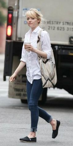Casual Look Of Emma Stone Street Style