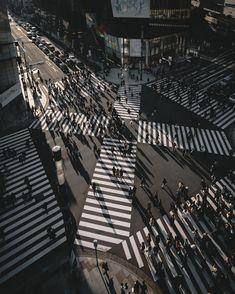 Photographer Tatsuto Shibata Captures Busy But Beautiful City Streets Unique to Tokyo