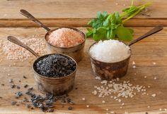 Come orientarsi tra i diversi tipi di sale che puoi utilizzare in cucina per insaporire i tuoi piatti, facendo sempre attenzione a non eccedere