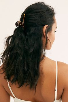 Brunette Balayage Hair Discover Fine Hair Claw by Free People Brown One Size Fine Hair Claw by Free People Brown One Size Argan Oil For Hair Loss, Best Hair Loss Shampoo, Biotin For Hair Loss, Biotin Hair, Diy Hair Loss Treatment, Baby Hair Loss, Best Hair Oil, Hair Falling Out, Natural Hair Styles