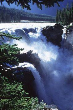 Athabasco falls in Jasper national park