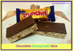 Chocolate Crunchie Slice Are you a fan of Crunchie bars? Then you're totally going to love this easy no-bake Chocolate Crunchie Slice! Ready in just 10 minutes! Crunchie Bar, Chocolate Slice, Crunchie Recipes, Chocolate Traybake, Baking Chocolate, Chocolate Cupcakes, Chocolate Recipes, Lunch Box Recipes, Deserts