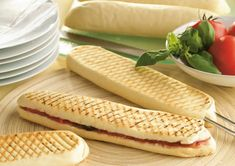 Pain Panini maison au thermomix – Recette Thermomix Homemade Panini bread with thermomix. I offer you a homemade Panini Bread recipe, a simple and easy recipe to make at home with the thermomix.