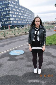 Zara dress H&m Jackets, Casual Party, Zara Dresses, My Outfit, That Look, Bomber Jacket, Coat, Pants, How To Wear