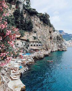 """CharHadas on Instagram: """"¿Alguien en la sala planeando viaje a la Costa Amalfitana? Si eres una de las afortunadas incluye en tu lista visitar el hotel Santa…"""""""