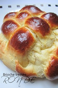 Sunday pleasures: getting up late, hanging out in pajamas and … braiding brioche dough. I've been making this classic brioche recipe twice, … No Yeast Bread, Yeast Bread Recipes, Brioche Bread, Bread Baking, Cooking Chef, Cooking Recipes, Bolo Grande, Bread And Pastries, Gastronomia