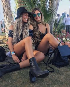 WEBSTA @ alexcentomo - Couldn't be happier spending #Coachella with my P.I.C Who would you guys love to see perform live?! ALSO new video just went live! Link in bio // @windsorstore #windsorstore