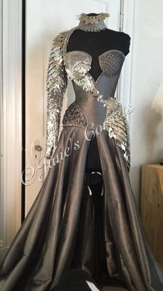 Pretty Outfits, Pretty Dresses, Beautiful Dresses, Cute Outfits, Kleidung Design, Fantasy Gowns, Fantasy Clothes, Fairytale Dress, Dream Dress