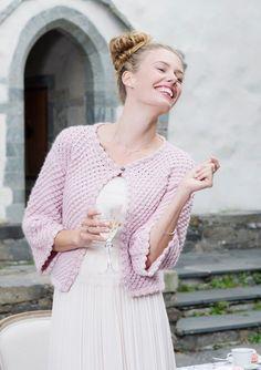 """9dc8c1d0 """"Alba"""" kort jakke Lace Tops, Womens Knitwear, Knitting, Crochet, Fashion"""