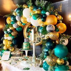 23 Clever DIY Christmas Decoration Ideas By Crafty Panda Safari Theme Birthday, Wild One Birthday Party, Baby Boy 1st Birthday, Safari Party, 1st Birthday Parties, Boy Baby Shower Themes, Baby Shower Balloons, Balloon Decorations Party, Baby Shower Decorations